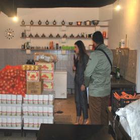 Konzum d.o.o. Sarajevo upriličio je danas ramazansku podjelu donacija narodnim kuhinjama u Tuzli, Travniku, Zenici, Visokom i Sarajevu.