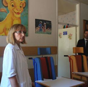 Konzum d.o.o. Sarajevo donirao je jučer Službi za psihofiziološke i govorne poteškoće Doma zdravlja Mostar dvije ortopedske stolice Mia.