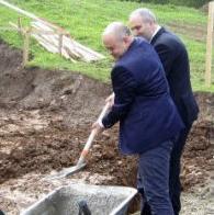 U saradnji sa općinskim institucijama gospodin Hajrudin Ahmetlić se odlučio za finansiranje ovog projekta. Vrijednost projekta iznosi oko 250 hiljada maraka, a čitav iznos obezbjeđuje Hajrudin Ahmetlić s porodicom.