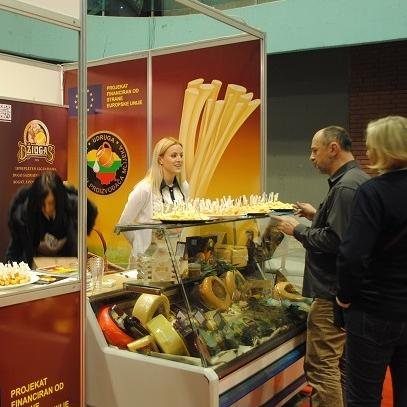 With permanent promotion and tastings at shopping centers, and participation in trade fairs, we are trying to animate the citizens of BiH to try the Lithuanian cheeses and to get them used to the special flavor that they have, said Arnautović.