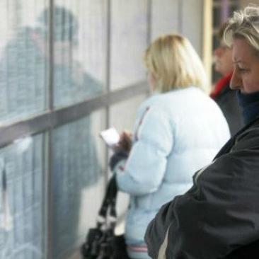 Prema evidenciji Službe za zapošljavanje u Kantonu Sarajevo nezaposleno je 70.948 osoba, od čega su 42.759 žena što iznosi oko 60 posto.
