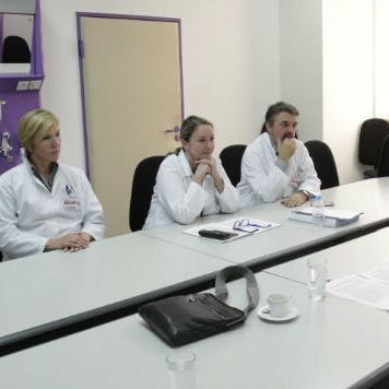 Potpredsjednica FBiH Melika Mahmutbegović razgovarala je jučer u Sarajevu s direktoricom Kliničkog centra Univerziteta u Sarajevu Sebijom Izetbegović.