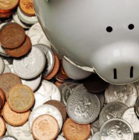 Glavni razlog je pad kamatnih stopa koje štedišama donose manju zaradu nego ranije.