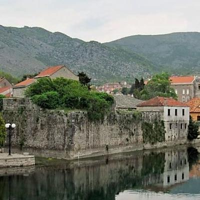 Ministar inostranih poslova BiH Igor Crnadak rekao je da je interes i Hrvatske, i BiH i Republike Srpske da Trebinje i Dubrovnik budu u budućnosti bolje povezani.