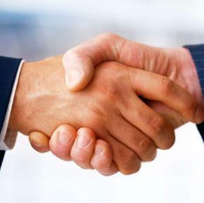 Hrvatska i BiH uskoro će potpisati sporazum o europskom partnerstvu koji će biti okvir za hrvatsku podršku BiH u pristupu EU-u nakon podnošenja kandidature za članstvo, najavili su u utorak ministri vanjskih poslova dviju zemalja Miro Kovač i Igor Crnadak.