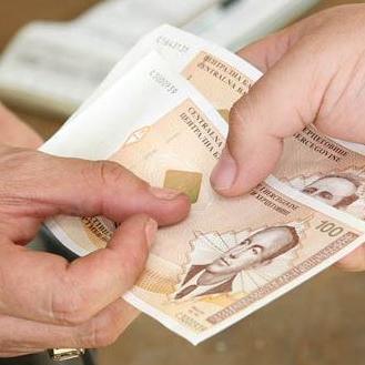 Na ogroman administrativni aparat u Federaciji BiH u prošloj godini potrošeno je čak 1,6 milijardi KM, a to je samo za plate i naknade.