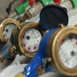 Nakon usvajanja Zakona o komunalnim djelatnostima, koji je na sjednici Skupštine KS-a donesen po hitnom postupku, KJKP Vodovod i kanalizacija nastavlja kontrolu i isključenja spornih potrošača sa vodovodne mreže.