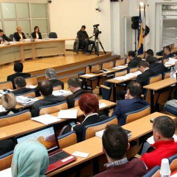 Skupština Kantona Sarajevo danas je sa samo jednim glasom protiv usvojila najvažniji finansijski dokument, budžet KS-a za 2016. godinu, a koji iznosi 696.292.200 KM.