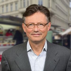 As part of the lecture, we will also have the opportunity to hear from the prominent expert in the field of branding, executive director of Interbrand for Central and Eastern Europe, based in London, Mr. Justus Schneider.