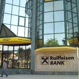 U prva tri kvartala 2015. godine, Raiffeisen Bank International AG (RBI) ostvarila je dobit prije oporezivanja u iznosu od 624 miliona eura, što predstavlja rast od 24 procenta odnosno 122 miliona eura na godišnjoj osnovi.