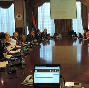 Vlada Republike Srpske utvrdila je danas Prijedlog zakona o elektronskom dokumentu i Prijedlog zakona o elektronskom potpisu Republike Srpske.