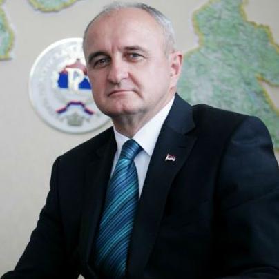 """Ministar industrije, energetike i rudarstva Republike Srpske Petar Đokić izjavio je jučer  da bi ugrožavanje kompanije """"Arselor Mital"""" i prestanak njenih aktivnosti doveli do gubitka 9.000 radnih mjesta."""