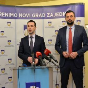 Efendić je pojasnio da bi Dom zdravlja Kumrovec trebao biti otvoren za korisnike sredinom godine, a da za završetak rekonstrukcije nedostaje oko 1,2 miliona KM.