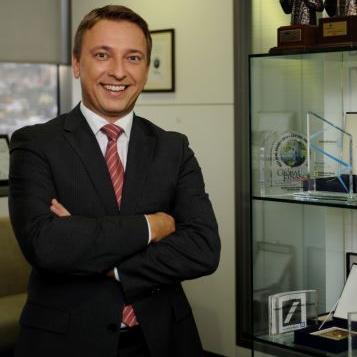 Renomirani poslovni magazin Global Finance je dvanaesti put Raiffeisen banci u Bosni i Hercegovini dodijelio titulu najbolje banke, na izboru najboljih banka na tržištima u razvoju u Srednjoj i Istočnoj Evropi.