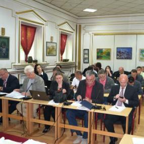 Bosanska Krupa od danas ima još jednu poslovnu zonu i novih 22 hektara korisne površine koja će biti ponuđena potencijalnim ulagačima za otvaranje novih radnih mjesta i razvoj bosanskokrupske općine.