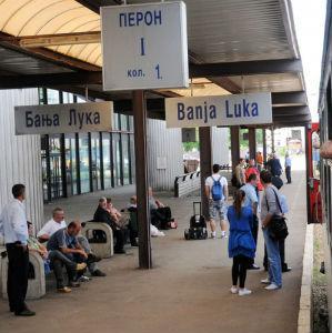 Dragan Savanović, v.d. generalnog direktora ŽRS plan restrukturiranja ranije izložio predstavnicima Svjetske banke. Nadzorni odbor ŽRS na jučerašnjoj sjednici u Doboju razmatrao je pitanje restrukturiranja preduzeća.