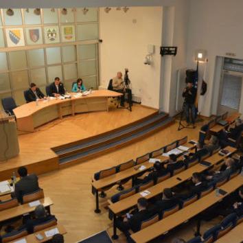 Pored ostalog, na dnevnom redu je i Prijedlog odluke o izmjenama i dopunama Odluke o uređivanju javnog prijevoza osoba zaprežnim vozilima – fijakerima.