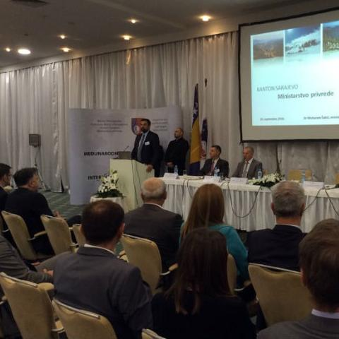 Na konferenciji će biti predstavljeno oko 100 projekata iz drvne industrije, IT sektora i oblasti turizma.