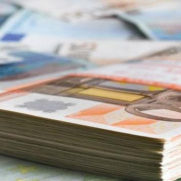 U posljednjih 20 godina u Bosnu i Hercegovinu su ušle milijarde u donacijama i investicijama. Pa gdje je taj novac? Procjenjuje se da je barem pola tog iznosa ostalo u blagajnama zemalja iz kojih je novac i došao.