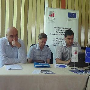 Na sastanku su prezentirane aktivnosti projekta BINOVA, dostupni programi poticanja male privrede, usluge koje će pružati Centar za podršku poduzetništvu koji će biti uspostavljen u poslovnoj zoni Pilana u Bosanskoj Krupi do kraja ove godine.