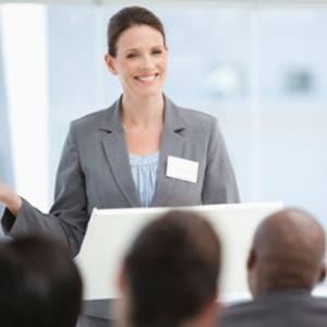Trening je namijenjen svima koji su zainteresirani za poboljšanje svojih vještina u dimenzijama javnog nastupa i prezentiranja.