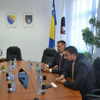 Fusco i Gogo su se interesirali za aktuelne procese i dešavanja u KS-u, kao za potrebe u kojima ovaj dio Delegacije EU u BiH može biti od pomoći kantonalnim vlastima.