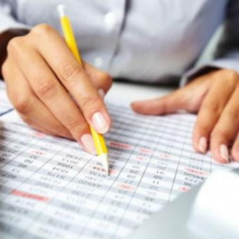 Zakonom su propisani metodologija i standardi za uspostavljanje i način funkcioniranja finansijskog upravljanja i kontrole.