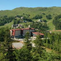Olimpijskom centru Јahorina blokiran je račun nakon izgubljenog spora sa preduzećem UPI AD iz Istočnog Sarajeva, koje je pravni nasljednik imovine bivšeg UPI Holdinga Sarajevo.