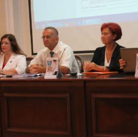 """UBanjaluci, u Aministrativnom centru Vlade Republike Srpske, jučer je održana konferencija povodom završetka prve faze projekta """"Obuka zaposlenih koji obavljaju poslove državne uprave za primjenu informacionih tehnologija i rad na računaru"""
