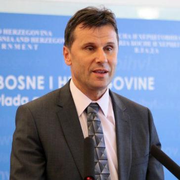 Istaknuo je da je torezultat pojačanog i sve uspješnijeg rada Porezne uprave FBiH i aktivnosti Vlade Federacije BiH.
