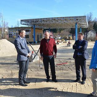 Načelnik Općine Cazin Nermin Ogrešević i zastupnik u parlamentu BiH Jasmin Emrić posjetili su općinu Rakovica u Republici Hrvatskoj.