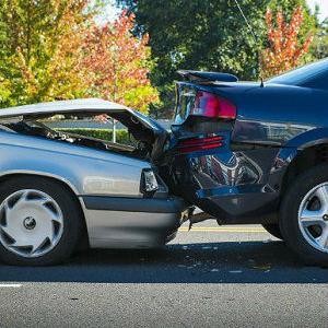 Osiguranik sa policom kasko osiguranja ima pravo naknade materijalne štete u i na vozilu u svim slučajevima