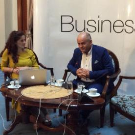 Ahmetlić je onima koji žele početi vlastiti biznis savjetovao da moraju biti spremni na težak rad i zaboraviti na odmore i druge druge društvene aktivnosti.
