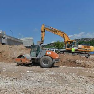 Izgradnjom LOT-a 2c, posljednje dionice Sarajevske zaobilaznice, će se kružni tok u Briješću spajati sa ulicom Safeta Zajke.