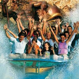 Na obali jezera Lago di Garda u sjevernoj Italiji u blizini gradića Castelnuovo del Garda smjestio se predivan zabavni park Gardaland.