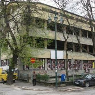 """Sve je veći interes za obnovu zgrade hotela """"Nacional"""", koja više od 20 godina propada."""