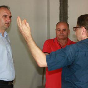Načelnik općine Tešanj, Suad Huskić danas je sa vlasnikom kompanije HIFA Petrol Hajrudinom Ahmetlićem posjetio gradilište novog objekta namijenjenog za dnevni boravak djece sa posebnim potrebama u Tešnju.