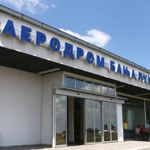 """Premijer Republike Srpske Željka Cvijanović izjavila je da je Vlada zainteresovana za jačanje kargo funkcije """"Aerodroma Banjaluka"""", ali i njegovog osnaživanja kada je riječ o putničkom saobraćaju."""