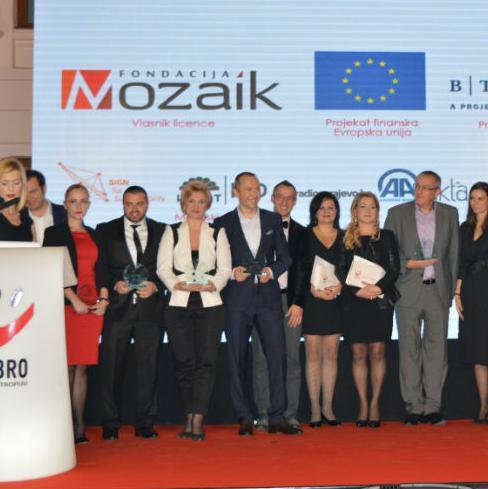 Ceremonija dodjele nagrade Dobro za filantropiju, koju dodjeljuju Fondacija Mozaik i Agencija MaŠta u okviru EU projekta SIGN za održivost, upriličena je večeras u sarajevskoj Vijećnici.