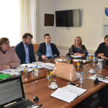 Usvojen je zaključak da bude podnesena zajednička inicijativa prema Vladi Federacije BiH za izmjene Zakona o finansijskom poslovanju FBiH.