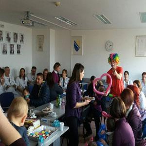 Povodom Međunarodnog dana prijevremeno rođenih beba, predstavnici Konzuma BiH, posjetili su neonatalno odjeljenje...