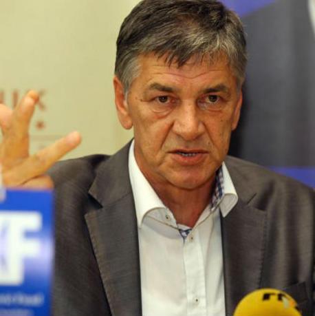 Gradonačelnik Zenice Fuad Kasumović je na gradonačelničkoj funkciji već skoro mjesec dana, a na njegovu inicijativu je podijeljeno nekoliko desetina otkaza.
