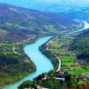 Za realizaciju Strategije integralnog upravljanja vodama Republike Srpske za period 2015-2024. godine, koju je Narodna skupština Republike Srpske usvojila u avgustu,  u narednih 10 godina biće neophodno obezbijediti milijardu i po KM.