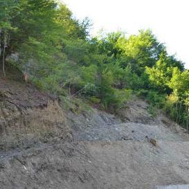 U Povoči MZ Ljubina završeni su radovi na sanaciji klizišta i asfaltiranju dijela puta uz ovo klizište, koje je pokrenuto prošlogodišnjim majskim poplavama.