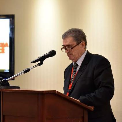 Uvodna izlaganja su podnijeli Zekerijah Smajić, ugledni novinar, analitičar i ekspert za EU integracije.