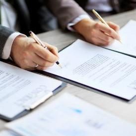 Vlade će u srednjoročnom razdoblju izraditi planovi za smanjenje administracije u institucijama BiH kako bi javna uprava bila efikasnija.