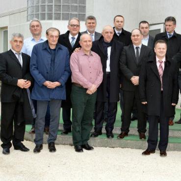 Kompletna Vlada ZDK-a posjetila je jučer općinu Breza, ali i RMU Breza, te kompaniju Termobeton.
