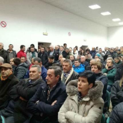 Prezentacija trase Mostar jug-Buna protiv koje je stanovništvo južnog dijela Mostara prošla je u petak navečer neslavno.