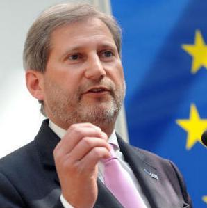 Želim biti vrlo jasan: stajalište EU i njezinih država članica za pristupanje Srbije EU je čvrsto. Svi s dobrodošlicom dočekujemo Srbiju u europsku obitelj, kojoj ona i pripada, kazao je Hahn.