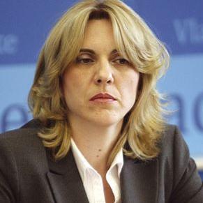 Predsjednica Vlade Republike Srpske Željka Cvijanović izjavila je jučer da je uvjet da se usvoji reformska agenda, ratifikacija sporazuma o kreditu s Svjetskom bankom, na čemu RS već duže insistira.